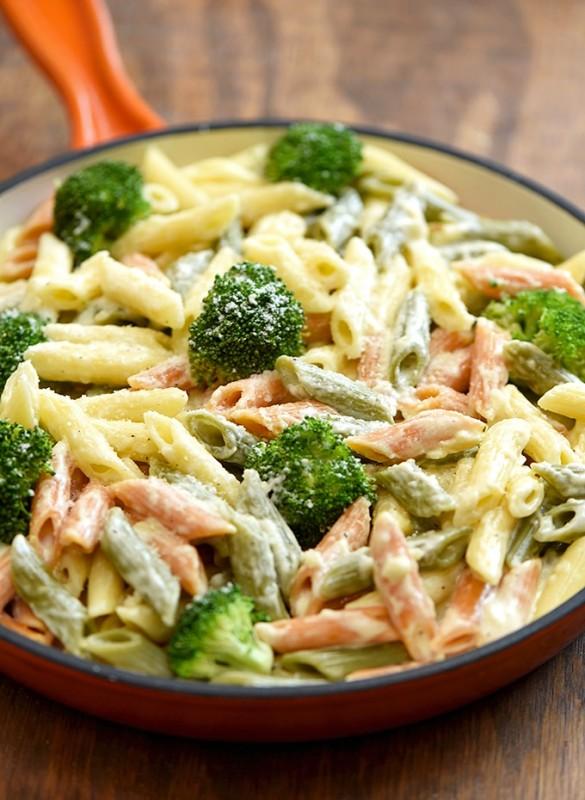 Penne Alfredo with Broccoli