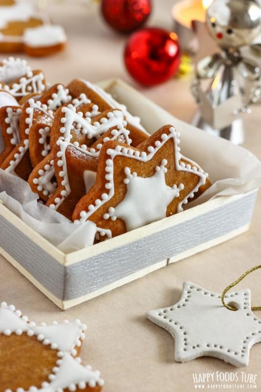 Simple Gingerbread Cookies